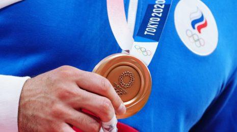 Почему на соревнованиях по дзюдо вручаются две бронзовых медали