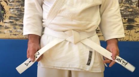 Как правильно завязывать пояс на кимоно в айкидо