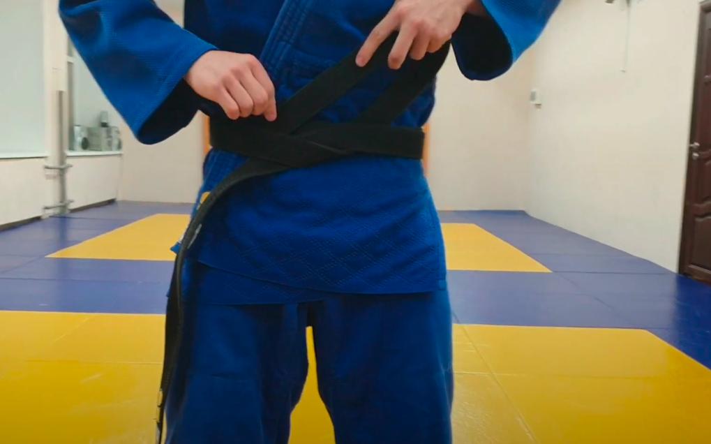 завязать пояс кимоно дзюдо правильно