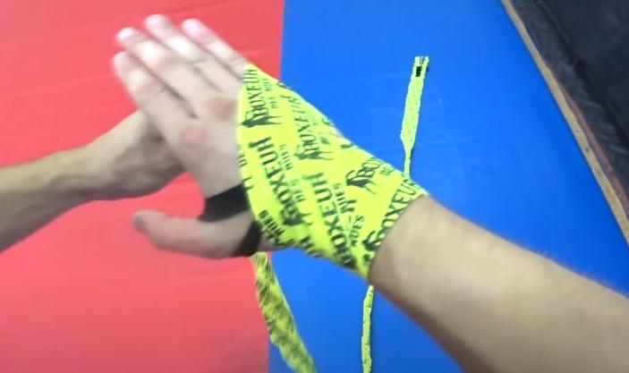 правильно бинтовать руки в боксе